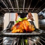 How to Cook Thanksgiving Dinner Without Gobbling Up Energy